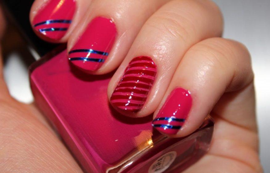 Диагональные полоски на ногтях