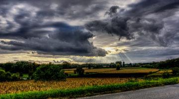 Почему некоторые люди любят плохую погоду?