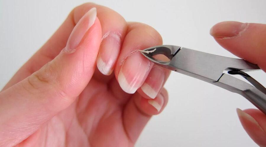 Процедура обрезания кутикулы